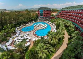 Alanya utazás Delphin Deluxe Resort