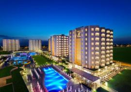 Antalya utazás Grand Park Lara