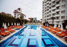 Antalya utazás Lara Family Club Hotel