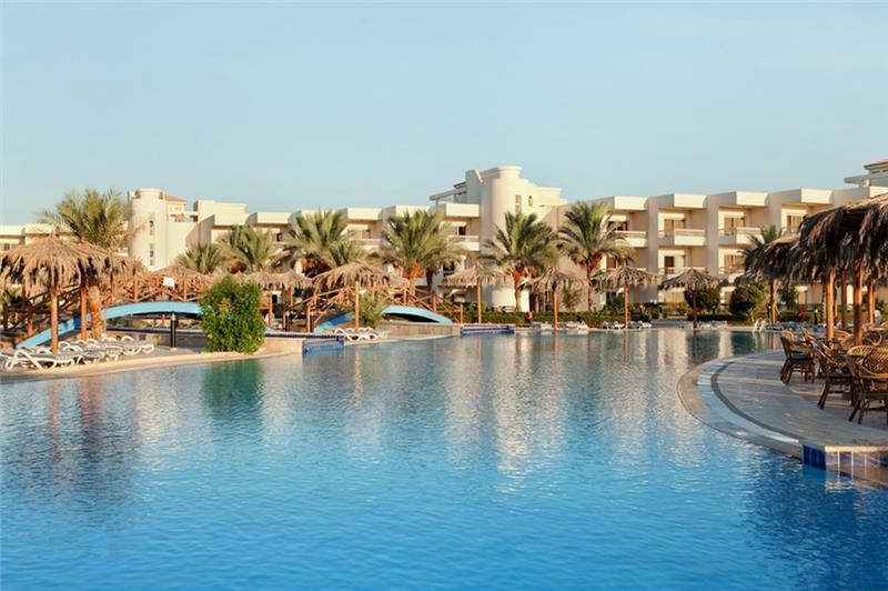 Hurghada utazás Long Beach ex: Hilton Long Beach